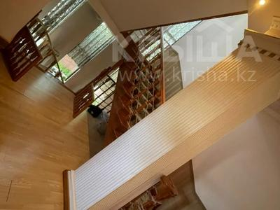 6-комнатный дом, 450 м², 9 сот., мкр Коктобе, Толе Би 45 — проспект Аль-Фараби за 250 млн 〒 в Алматы, Медеуский р-н