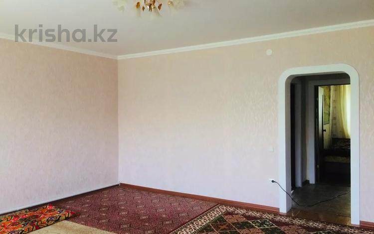 3-комнатный дом, 85 м², Мира 10 за 9 млн 〒 в Подстепном