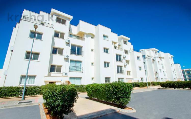 2-комнатная квартира, 50 м², 2/3 этаж, Фамагуста 1 за ~ 13.4 млн 〒