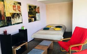 1-комнатная квартира, 35 м², 7/9 этаж посуточно, Протозанова 135 за 7 000 〒 в Усть-Каменогорске