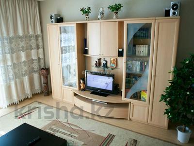 2-комнатная квартира, 90 м², 8/42 этаж помесячно, Желтоксан 2 за 230 000 〒 в Нур-Султане (Астана), Сарыарка р-н — фото 2
