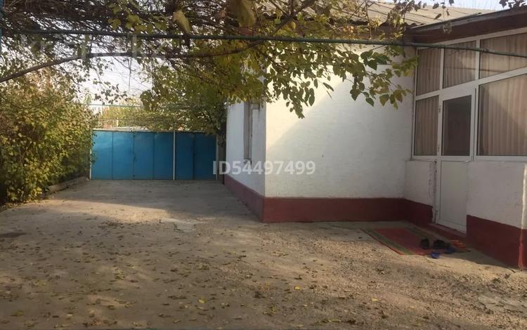 4-комнатный дом, 100 м², 8 сот., Т.Аубакирова 1 — Жанаарык за 10 млн 〒 в Сарыагаш