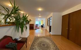 7-комнатный дом, 300 м², 6 сот., мкр Калкаман-2 за 200 млн 〒 в Алматы, Наурызбайский р-н