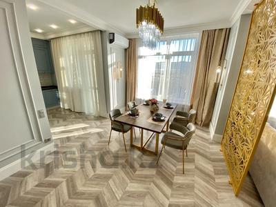 2-комнатная квартира, 85 м², 7/12 этаж посуточно, Алиби Жангелдин 67 за 35 000 〒 в Атырау