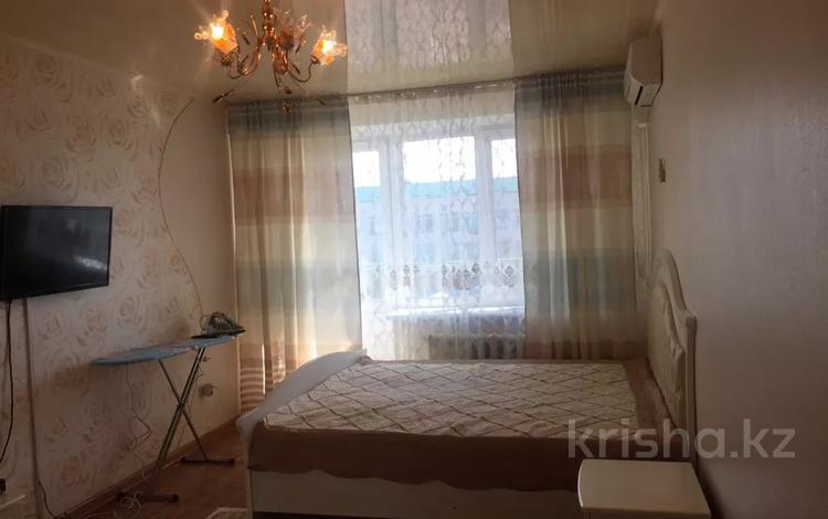 1-комнатная квартира, 45 м², 4/4 этаж посуточно, Жансугурова 187 за 6 000 〒 в Талдыкоргане