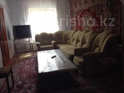 6-комнатный дом, 100 м², 10 сот., ул. Толе би за 12 млн 〒 в Таразе — фото 7