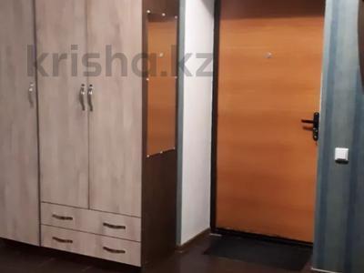 2-комнатная квартира, 50 м², 5/12 этаж посуточно, Шакарима 60 — Кабанбай батыра за 10 000 〒 в Семее — фото 5