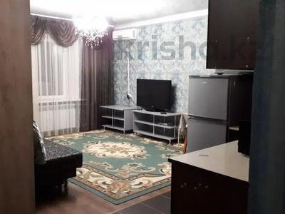 2-комнатная квартира, 50 м², 5/12 этаж посуточно, Шакарима 60 — Кабанбай батыра за 10 000 〒 в Семее — фото 7