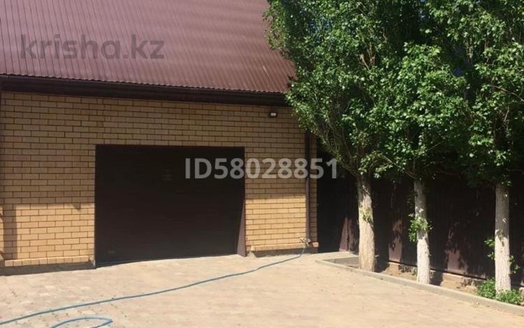 5-комнатный дом, 236 м², 10 сот., Сельмаш за 75 млн 〒 в Актобе, Новый город