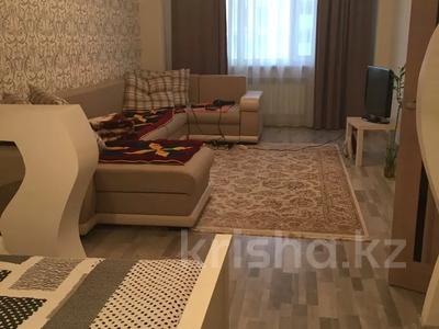 1-комнатная квартира, 56 м², 3/16 этаж, Иманова 26 — Уалиxанова за 18 млн 〒 в Нур-Султане (Астана), р-н Байконур — фото 3
