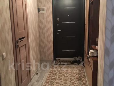 1-комнатная квартира, 56 м², 3/16 этаж, Иманова 26 — Уалиxанова за 18 млн 〒 в Нур-Султане (Астана), р-н Байконур — фото 4