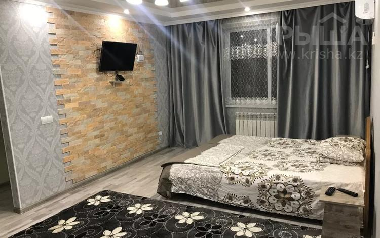 1-комнатная квартира, 35 м², 2 этаж посуточно, Койгелды 178 — Сулейманова за 7 000 〒 в Таразе