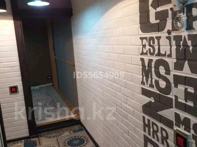 1-комнатная квартира, 35 м², 2/5 этаж посуточно, Туркестанская 2/4 — Байтурсынова за 8 000 〒 в Шымкенте, Аль-Фарабийский р-н