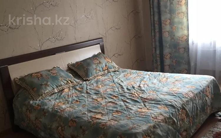 2-комнатная квартира, 77 м², 8/9 этаж, мкр Аксай-1А 21 за 24 млн 〒 в Алматы, Ауэзовский р-н