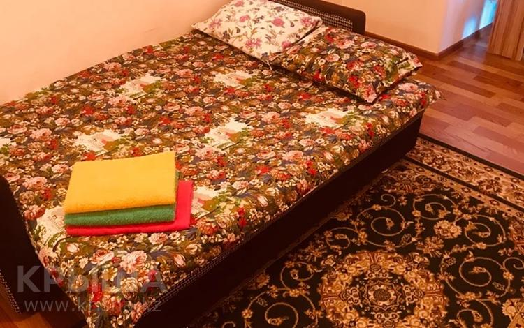1-комнатная квартира, 28 м², 4/9 этаж посуточно, мкр Аксай-1А 30а — Толе би Яссауи за 6 000 〒 в Алматы, Ауэзовский р-н