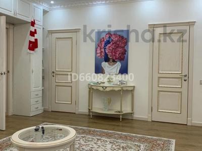 2-комнатная квартира, 117.6 м², 9/9 этаж, Сактагана Баишева 7Ак4 за 39 млн 〒 в Актобе — фото 10