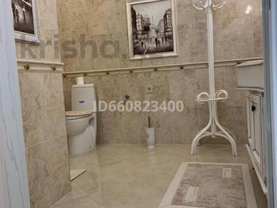 2-комнатная квартира, 117.6 м², 9/9 этаж, Сактагана Баишева 7Ак4 за 39 млн 〒 в Актобе — фото 32