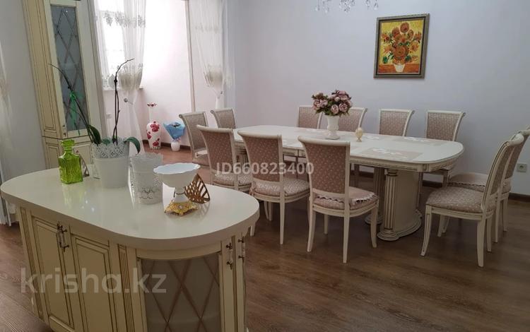 2-комнатная квартира, 117.6 м², 9/9 этаж, Сактагана Баишева 7Ак4 за 39 млн 〒 в Актобе