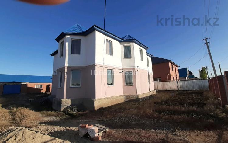 5-комнатный дом, 240 м², 10 сот., Рауан 386 за 35 млн 〒 в Актобе