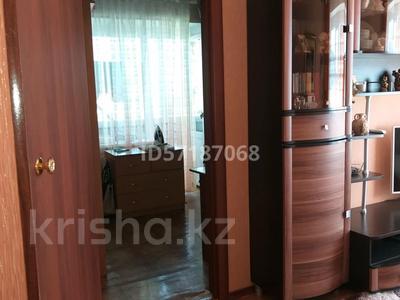 3-комнатная квартира, 52 м², 4/5 этаж, 4 мкр ул М.Ауэзова 36 за 9 млн 〒 в Экибастузе — фото 3