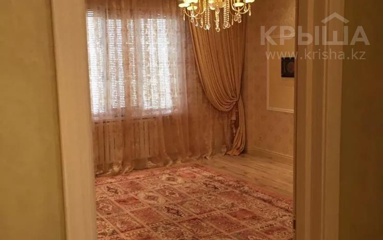 4-комнатная квартира, 111 м², 3/5 этаж, 15-й мкр 64 за 40 млн 〒 в Актау, 15-й мкр