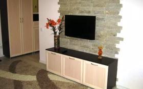 2-комнатная квартира, 48 м², 2/5 этаж посуточно, Ермекова 18 — Ерубаева за 10 000 〒 в Караганде, Казыбек би р-н