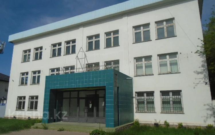 Здание, площадью 686.2 м², Айтиева 91А за 136 млн 〒 в Таразе