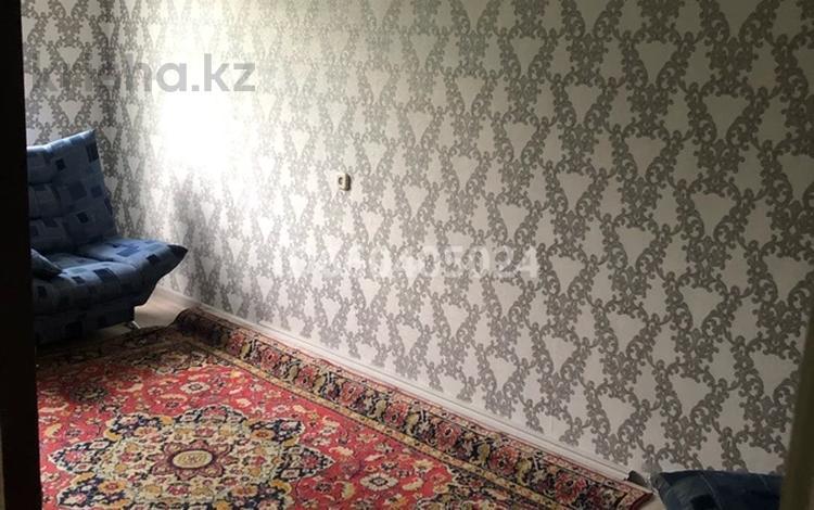 3-комнатная квартира, 55 м², 2/5 этаж, Есет батыра — Скулкина за 7.8 млн 〒 в Актобе, мкр 5