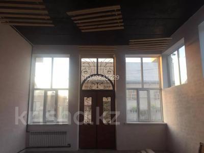 Здание, Ерубаева 116 площадью 525 м² за 650 000 〒 в Туркестане — фото 2