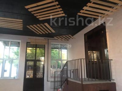 Здание, Ерубаева 116 площадью 525 м² за 650 000 〒 в Туркестане — фото 3