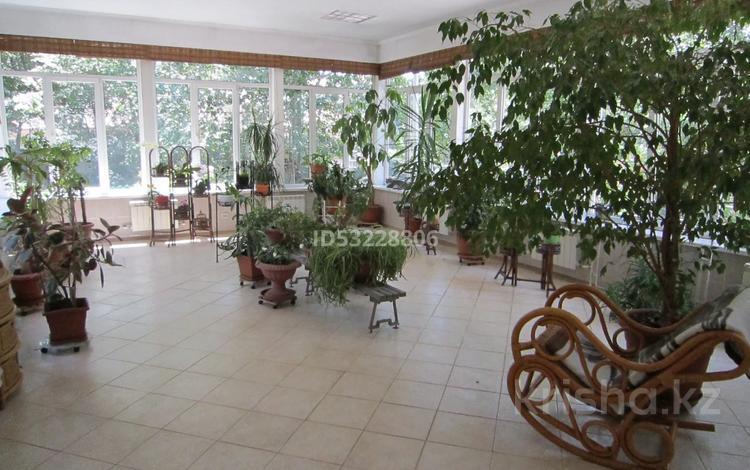 7-комнатный дом, 960 м², 40 сот., Туруспекова за 380 млн 〒 в Алматы