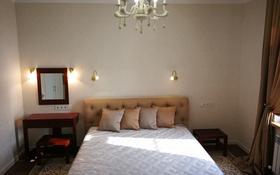 3-комнатная квартира, 150 м² на длительный срок, Санаторная 18 за 800 000 〒 в Алматы