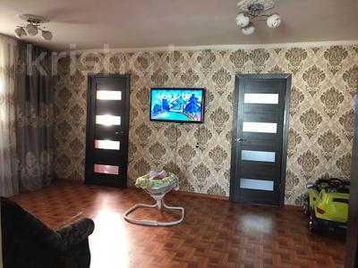 5-комнатный дом, 100 м², 9 сот., 2 омская — Толстого за 6.5 млн 〒 в Семее