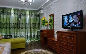 2-комнатная квартира, 52 м², 3/5 этаж посуточно, Туркестанская 2 — Байтурсынова за 8 000 〒 в Шымкенте