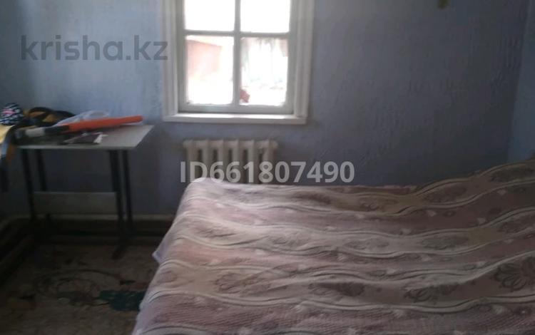 3-комнатный дом, 55 м², 12 сот., мкр Кемел (Первомайское) 55 за 17 млн 〒 в Алматы, Жетысуский р-н