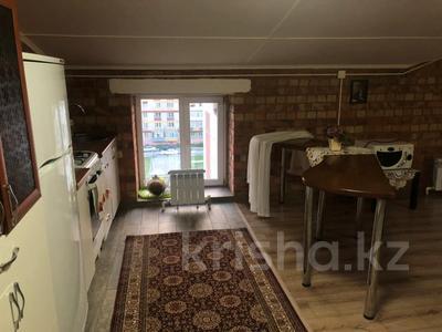 3-комнатная квартира, 157 м², 6/6 этаж помесячно, Мкр Коктем 8 за 250 000 〒 в Кокшетау — фото 9