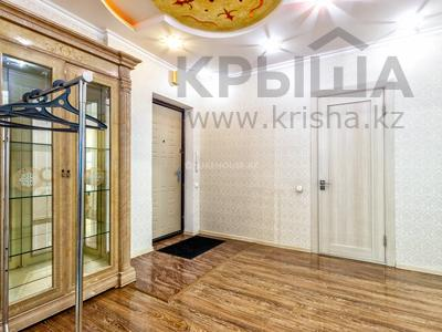 2-комнатная квартира, 60 м², 4/24 этаж посуточно, Сарайшык 5Д за 15 000 〒 в Нур-Султане (Астане), Есильский р-н