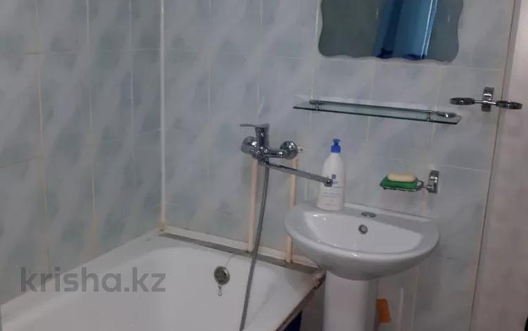 1-комнатная квартира, 35 м², 2/5 этаж посуточно, Ауэзова 16 — Абая за 6 000 〒 в Нур-Султане (Астане), Сарыарка р-н