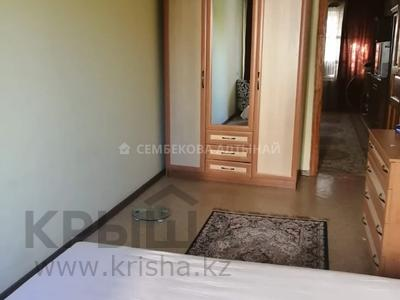 2-комнатная квартира, 43 м², 2/4 этаж, мкр №1, Мкр №1 12 за 15.5 млн 〒 в Алматы, Ауэзовский р-н