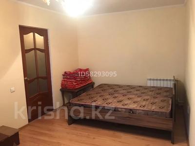 1-комнатная квартира, 25 м², 2/5 этаж помесячно, Сатпаева 14 за 80 000 〒 в Атырау — фото 2