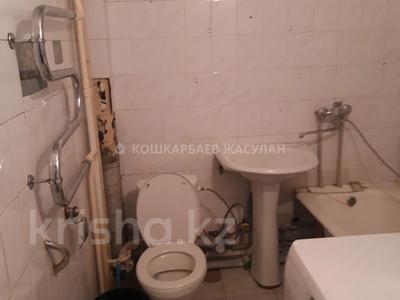 1-комнатная квартира, 41 м², 6/9 этаж, мкр Аксай-4 26 — Момышулы за 18.5 млн 〒 в Алматы, Ауэзовский р-н