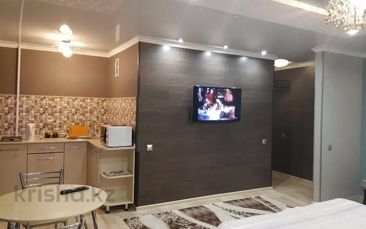 1-комнатная квартира, 35 м², 3/5 этаж посуточно, Алиханова 38/3 за 6 000 〒 в Караганде, Казыбек би р-н
