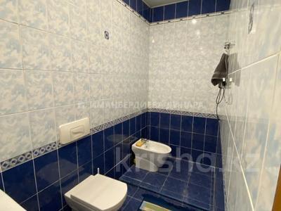 4-комнатная квартира, 150 м², 12/21 этаж на длительный срок, Достык 160 за 750 000 〒 в Алматы, Медеуский р-н