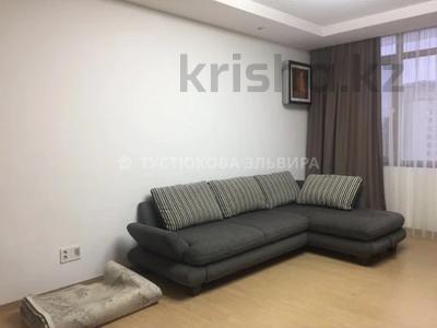 3-комнатная квартира, 100 м² на длительный срок, Кошкарбаева 8 за 350 000 〒 в Нур-Султане (Астане), Есильский р-н