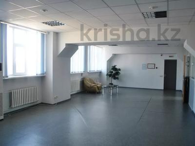 Офис площадью 110 м², Строителей 4 за 2 500 〒 в Караганде, Казыбек би р-н — фото 2