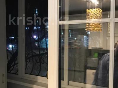 3-комнатная квартира, 71.4 м², 2/9 этаж, Пр. Абилкаир-Хана 43 за 16.5 млн 〒 в Актобе, Новый город — фото 3