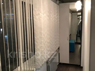 3-комнатная квартира, 71.4 м², 2/9 этаж, Пр. Абилкаир-Хана 43 за 16.5 млн 〒 в Актобе, Новый город — фото 21
