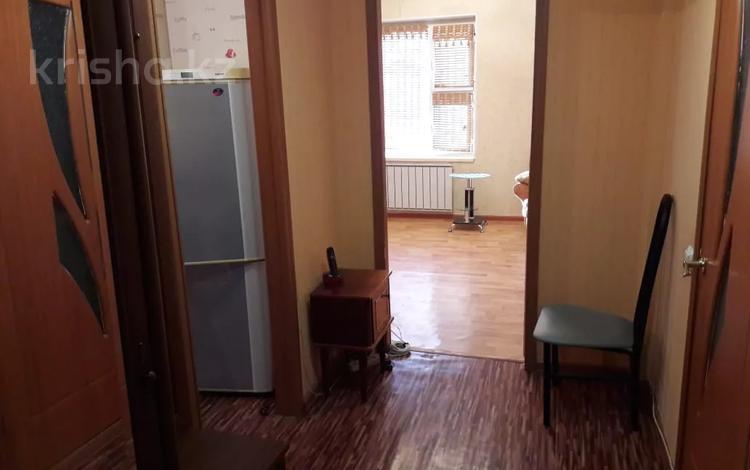 1-комнатная квартира, 50 м², 3/5 этаж помесячно, 15-й мкр, 15 мкр за 100 000 〒 в Актау, 15-й мкр