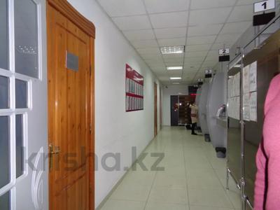 Здание, площадью 2213.6 м², Торайгырова 64 за ~ 276.1 млн 〒 в Павлодаре — фото 13