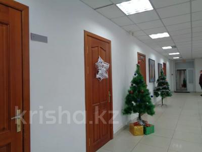 Здание, площадью 2213.6 м², Торайгырова 64 за ~ 276.1 млн 〒 в Павлодаре — фото 12